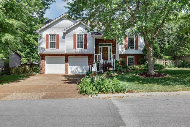 404 Old Oak Way, Hermitage, TN 37076