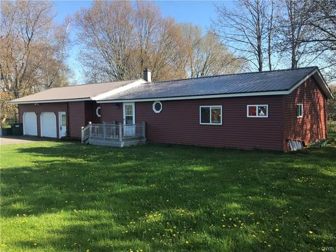 Photo of 403 Atkinson Rd, Pulaski, NY 13142