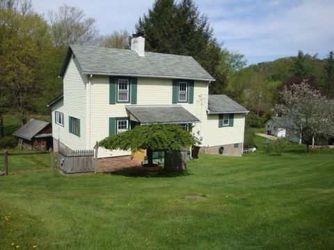 5580 Edwards Rd, Murrysville, PA 15668