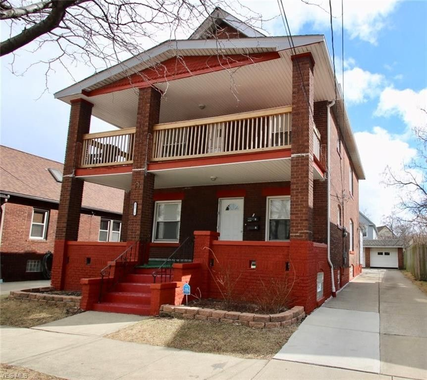 2151 Halstead Ave Lakewood, OH 44107