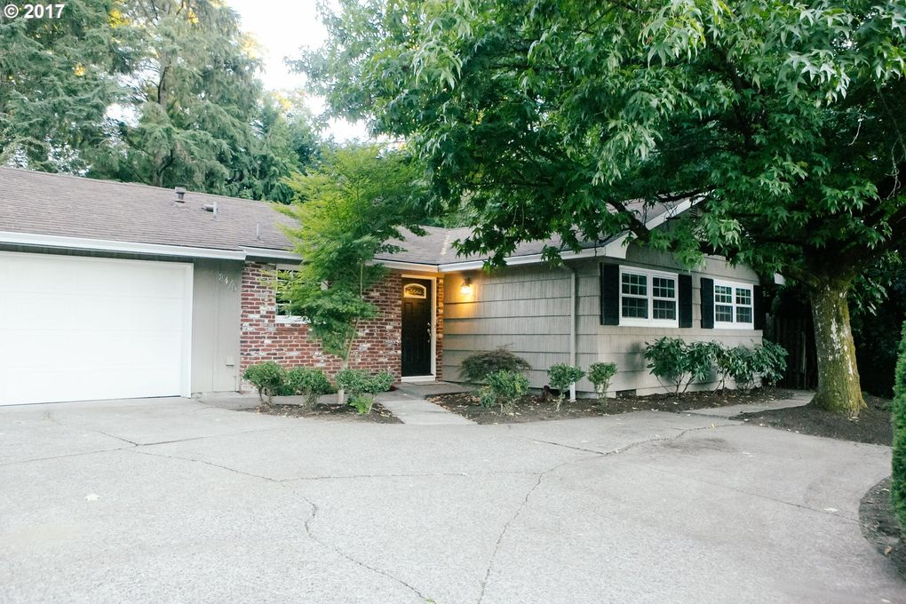 8470 Sw Barnes Rd, Portland, OR 97225 - realtor.com®