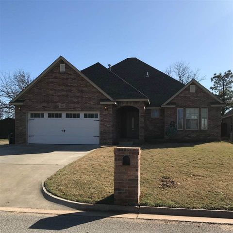 Photo of 4717 Manchester Dr, Enid, OK 73703