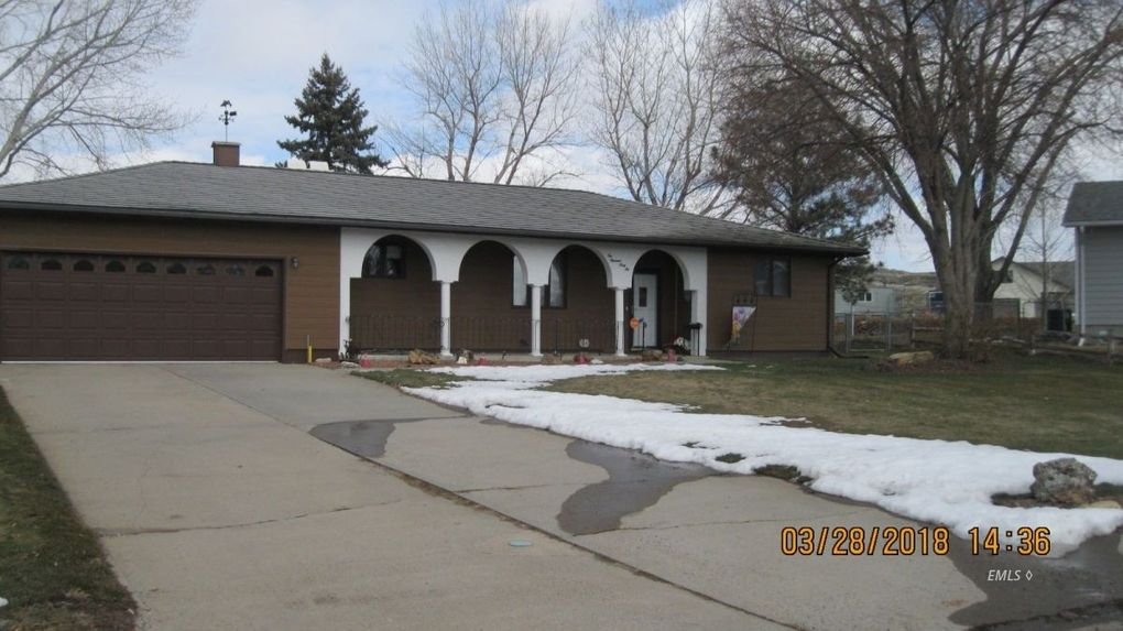 146 Prospect Dr, Miles City, MT 59301