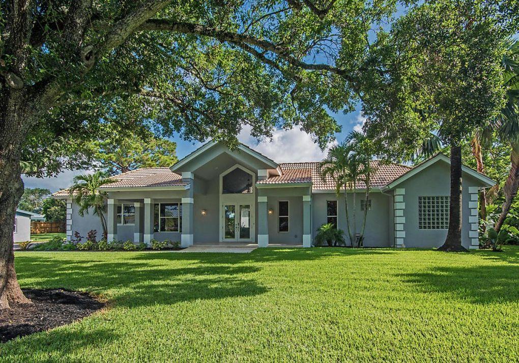 2377 Country Oaks Ln, Palm Beach Gardens, FL 33410