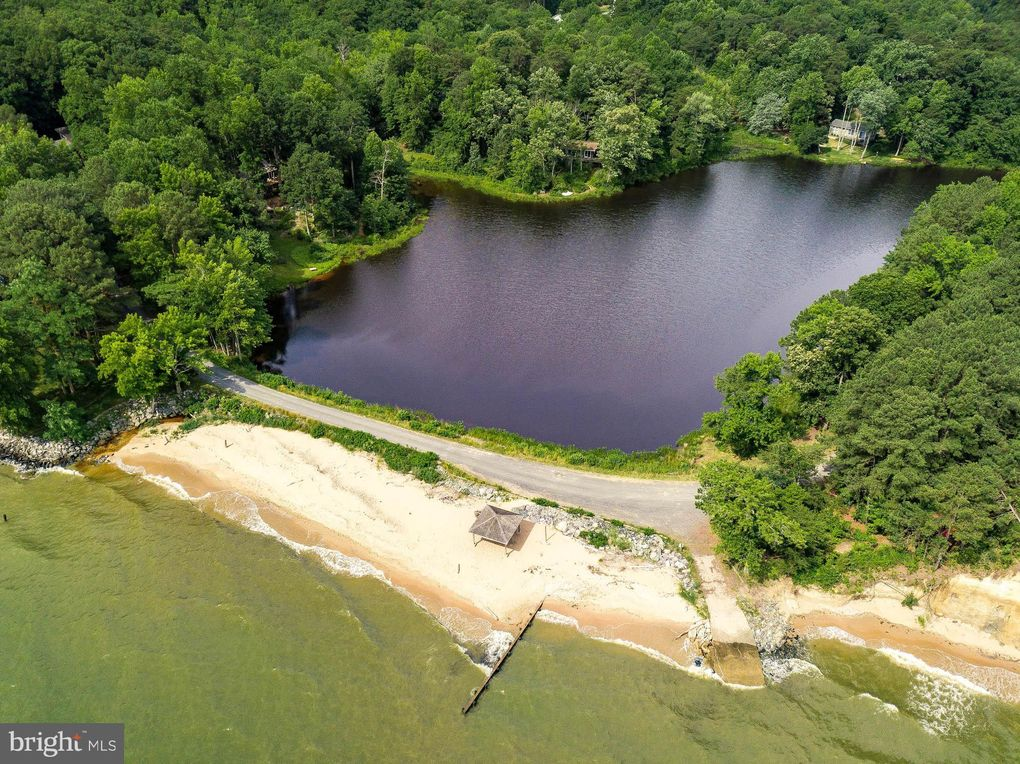2770 Cove Lake St Lusby, MD 20657
