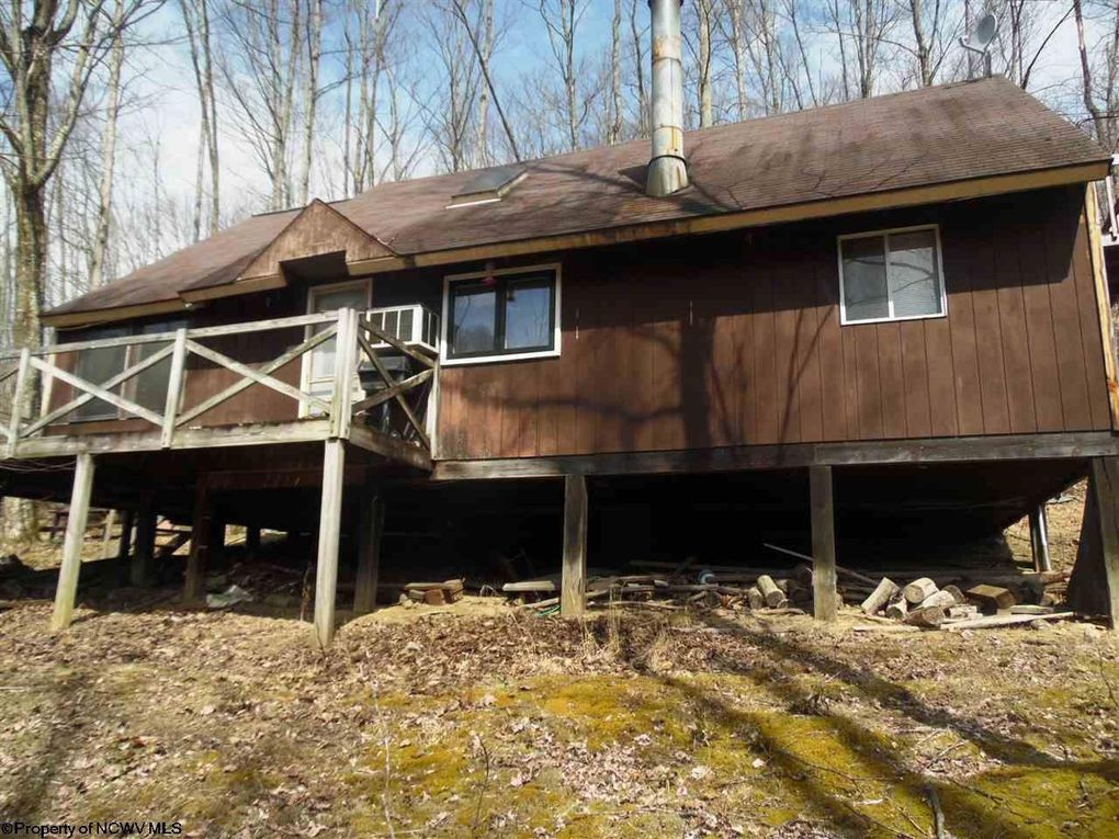 1835 Canaan Rd Rock Cave, WV 26234