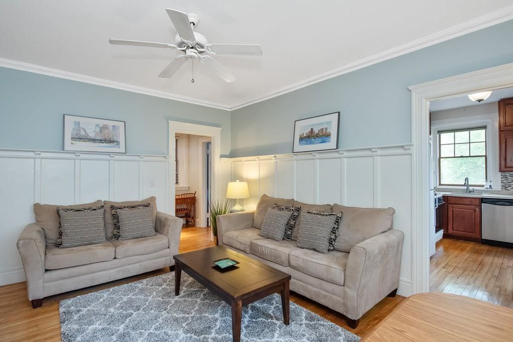 169 Washington St Apt 9, Newton, MA 02458
