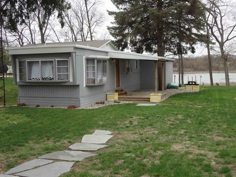 Photo of 4555 W Orland Rd, Angola, IN 46703