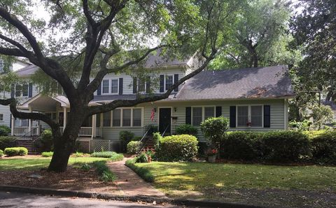 Photo of 116 W 5th South St Apt B, Summerville, SC 29483