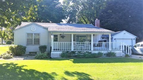 112 D St, Union Mills, IN 46382