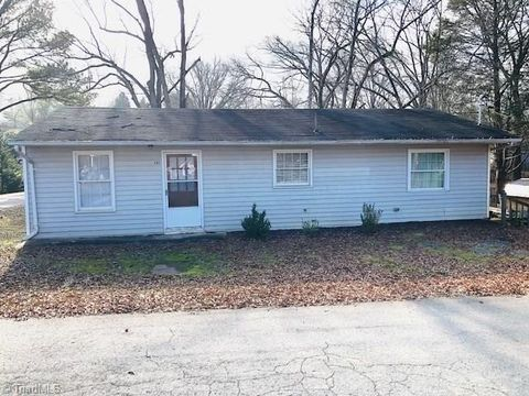 201 Forest St, Stoneville, NC 27048