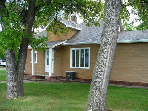 204 2nd Ave Nw, Mohall, ND 58761