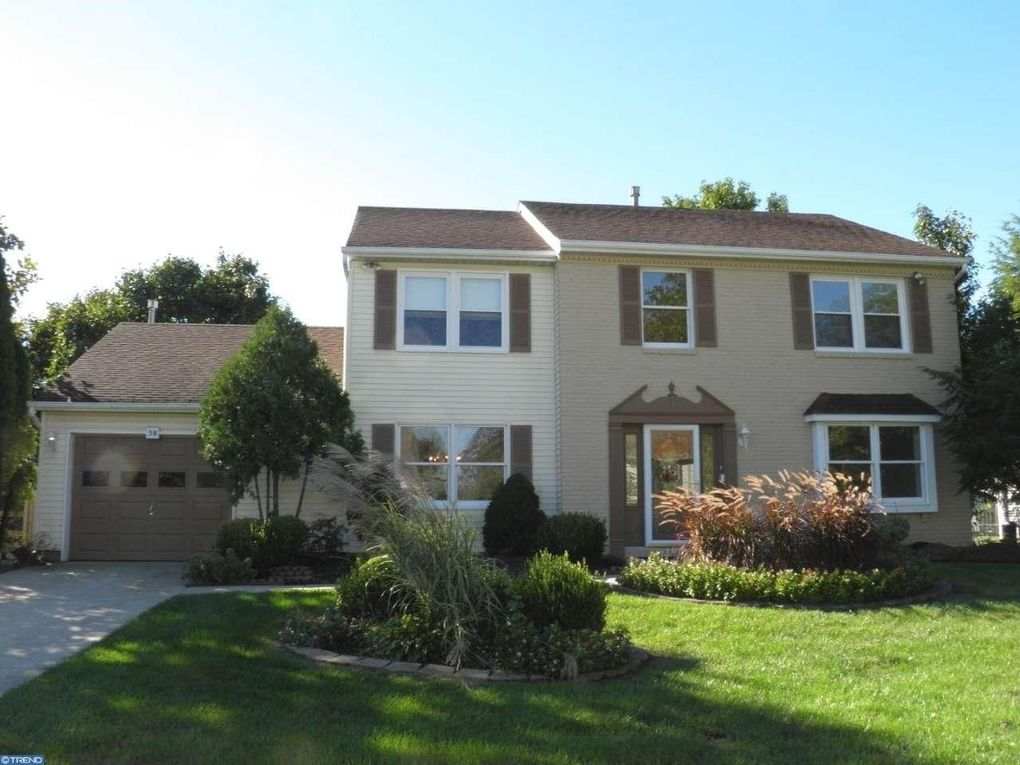 58 Twin Ponds Dr Sewell, NJ 08080