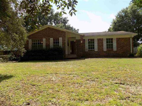 556 Woodlow Rd, Niceville, FL 32578
