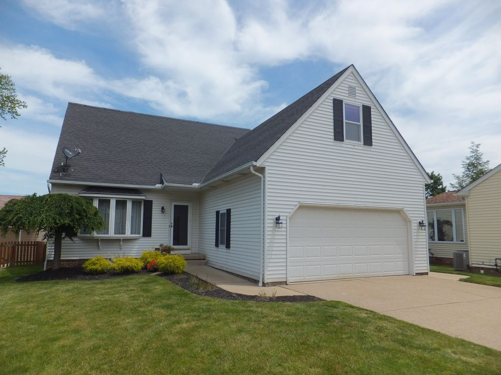 888 Marcie Dr Cleveland, OH 44109