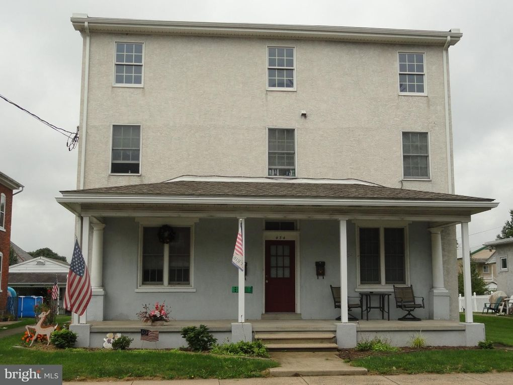 434 Main St East Greenville, PA 18041