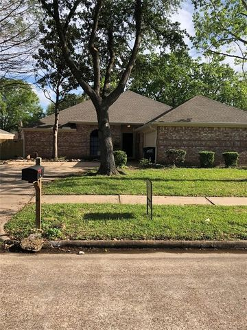 15207 Gran Vista Dr, Houston, TX 77083