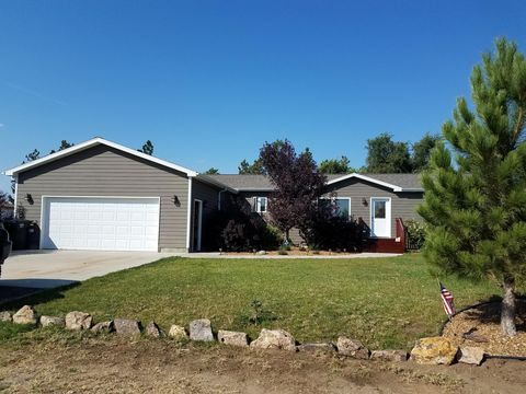 603 5th St, South Heart, ND 58655