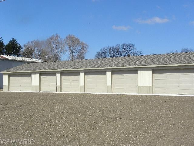 31934 Brooks Dr Unit 5 Dowagiac, MI 49047