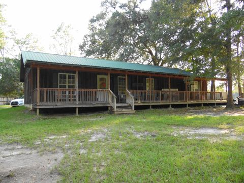 Photo of 2076 Sellers Rd, Caryville, FL 32425