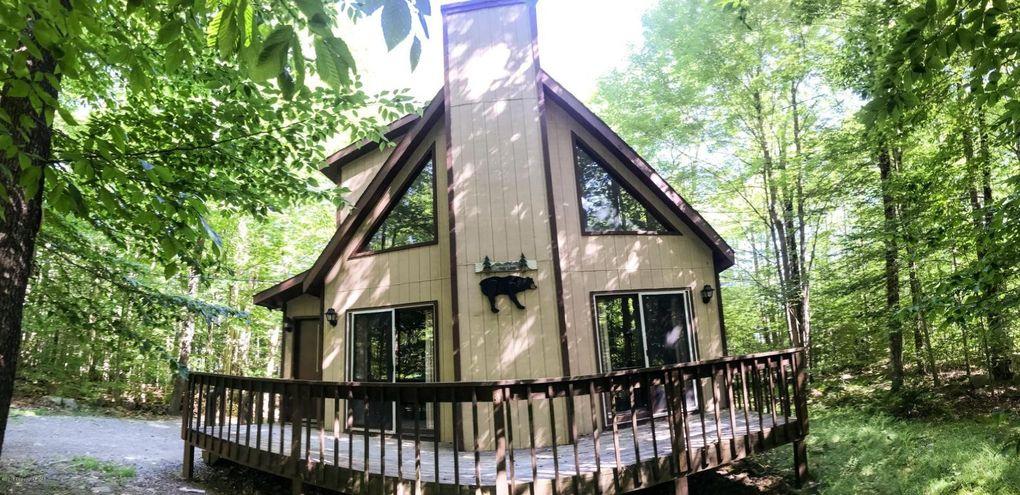 1119 Manatamany Dr Pocono Lake, PA 18347