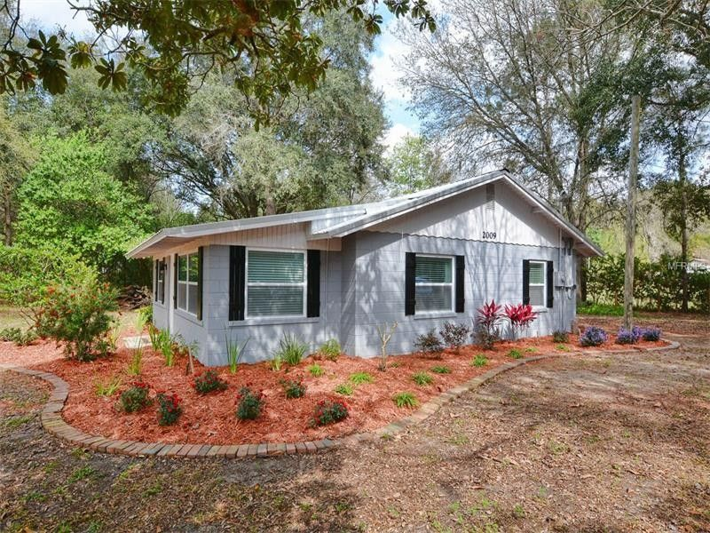 2009 Robie Ave, Mount Dora, FL 32757 - realtor.com®