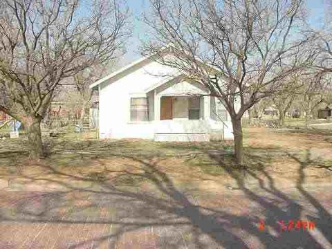 Photo of 611 E 3rd St, Hereford, TX 79045