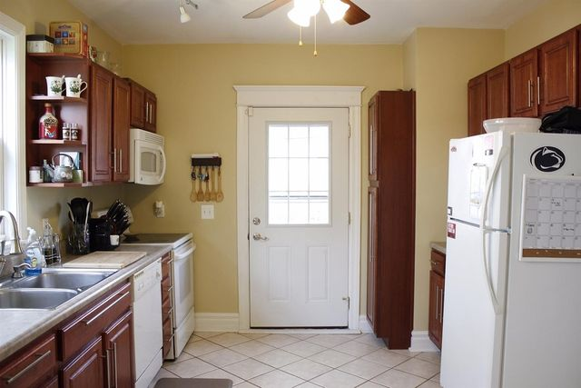 2212 Adams Ave, Norwood, OH 45212 - Kitchen