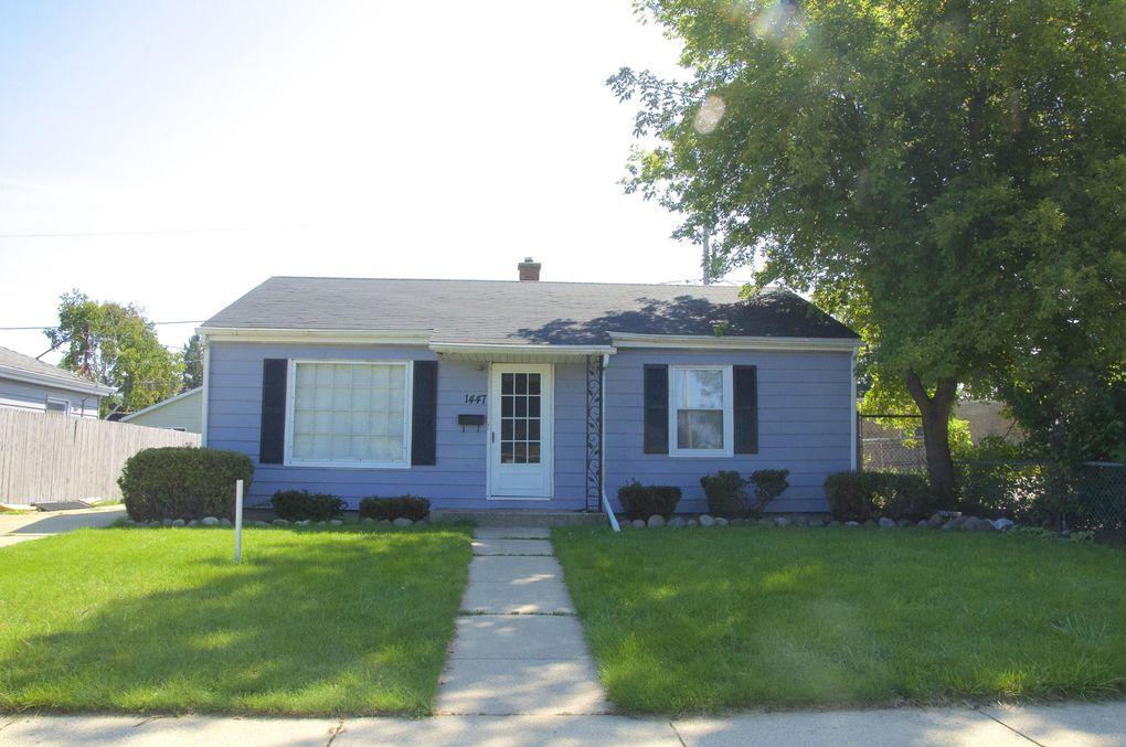 1447 Kingston Ave, Racine, WI 53402