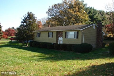 2101 Hackney Ct, Fallston, MD 21047