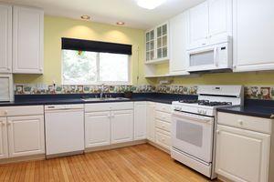 1103 Springridge Ct, Miami Township, OH 45150 - Kitchen