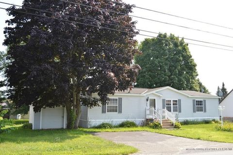 Photo of 71 Hill Rd, Clinton, ME 04927