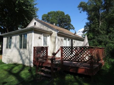38791 N Lakeside Pl, Antioch, IL 60002