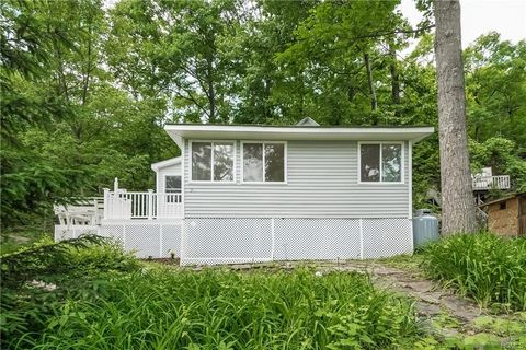Greenwood Lake Ny Single Story Homes For Sale Realtorcom