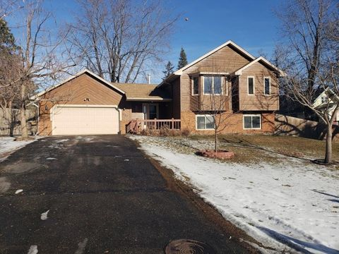 Photo of 1540 Mississippi St, New Brighton, MN 55112