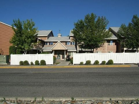 Photo of 703 Quince St, Omak, WA 98841