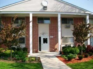 685 E Fullerton Ave Unit 2 103, Glendale Heights, IL 60139