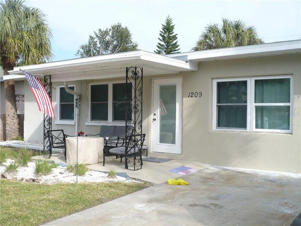 1209 Bay Pine Blvd, Indian Rocks Beach, FL 33785