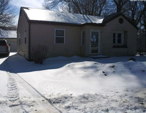 Photo of 3869 Grand Ave, Gurnee, IL 60031