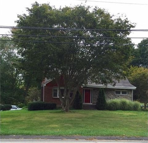 1376 Huntington Tpke, Trumbull, CT 06611