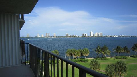 801 Lake Shore Dr Apt 611, Lake Park, FL 33403