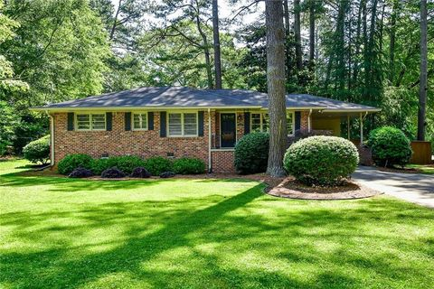 Photo of 1037 N Valley Dr, Decatur, GA 30033