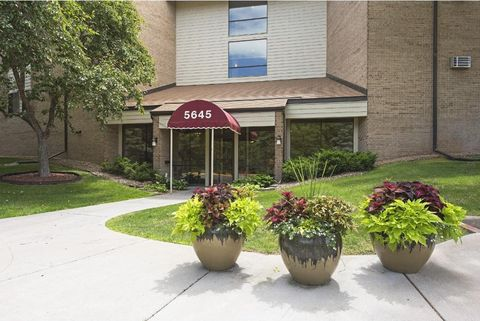 5645 Green Circle Dr Apt 315, Minnetonka, MN 55343