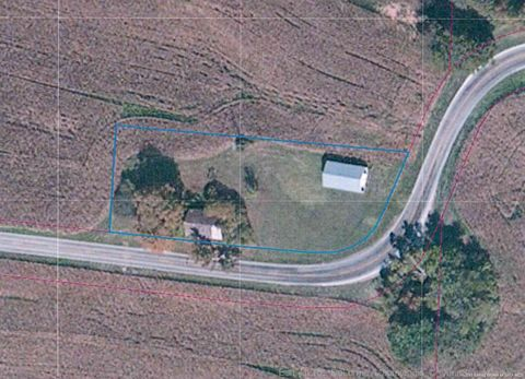 2060 W Highway 11 Sw, Mauckport, IN 47142