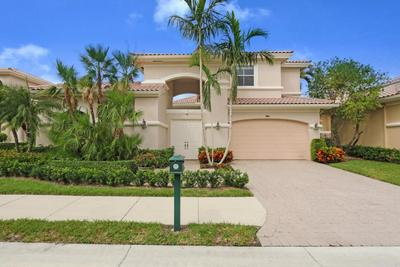 1111 Grand Cay Dr, Palm Beach Gardens, FL, 33418; $1,199,000