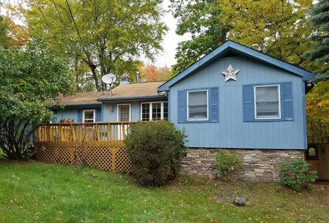 410 Pleasant View Dr, Roxbury, NY 12474