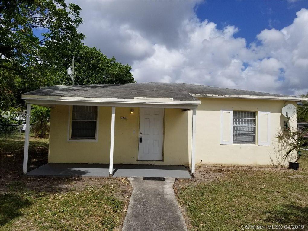 2441 NW 152nd St Miami Gardens, FL 33054