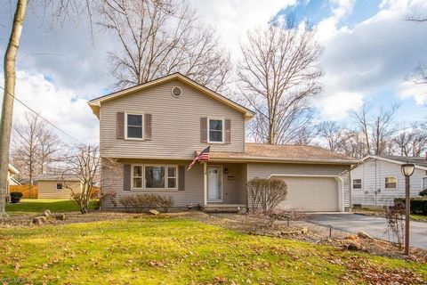 Photo of 3912 Claridge Dr, Youngstown, OH 44511