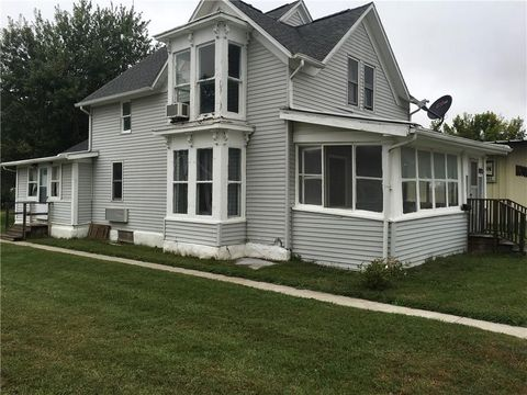 815 1st Ave, Perry, IA 50220