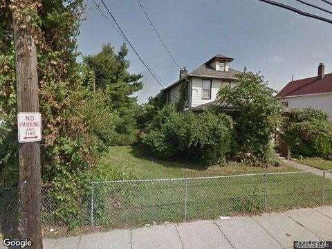 18 Avenue A, Inwood, NY 11096